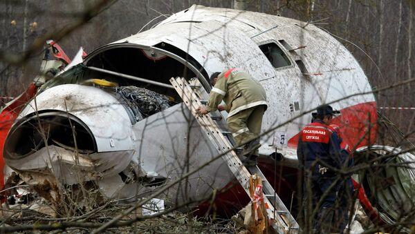 Обломки самолета польского президента Леха Качиньского. Архивное фото