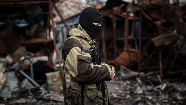 Ополченец Донецкой народной республики ДНР. Архивное фото