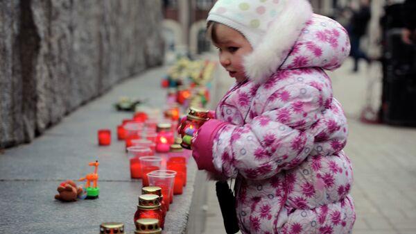 На вечере-реквиеме Прерванный полет... памяти детей, погибших за время конфликта на Донбассе, архивное фото
