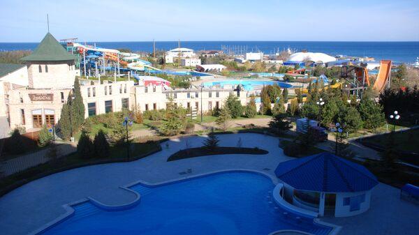 Гостиница Аквамарин в Севастополе (вид с балкона). Архивное фото