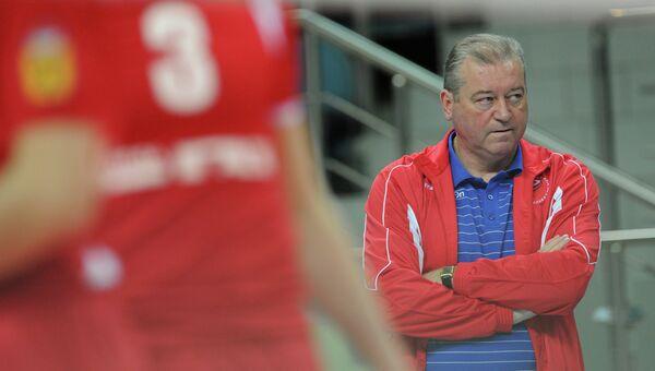Заслуженный тренер России Олег Молибога, архивное фото