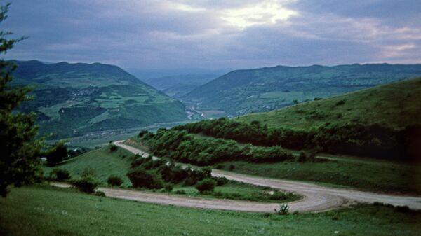 Сумерки в горах. Архивное фото