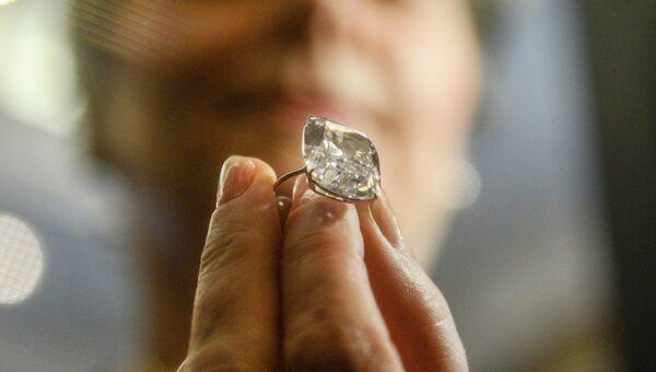 Перстень из коллекции Джины Лоллобриджиды фирмы Bulgari 1962 года с бриллиантом весом 19.03 карата