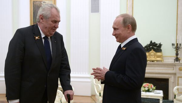 Президент России В.Путин и президент Чешской Республики М.Земан. Архивное фото