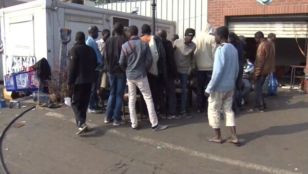 Мигранты в порту Кале. Архивное фото