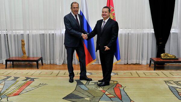 Министр иностранных дел России Сергей Лавров и министр иностранных дел Сербии Ивица Дачич в Белграде. 15 мая 2015 год