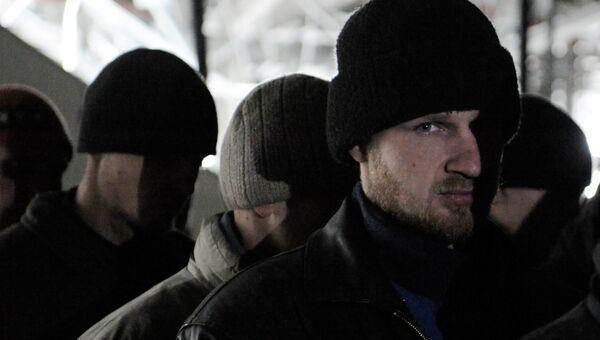 Военнопленные украинские силовики в аэропорту города Донецка