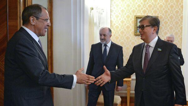 Министр иностранных дел РФ Сергей Лавров и председатель Сената Парламента Республики Казахстан Касым-Жомарт Токаев