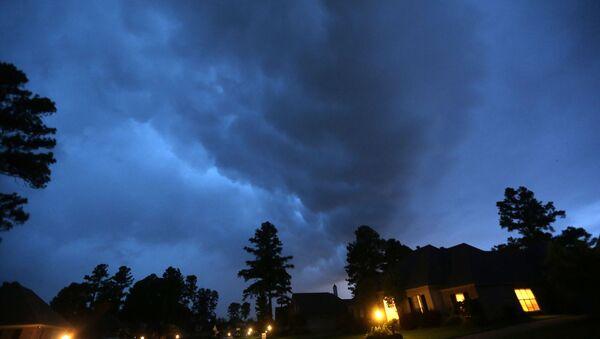 Торнадо, которое охватило Техас, США