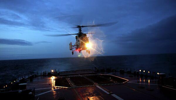 Палубный вертолет КА-27. Архивное фото