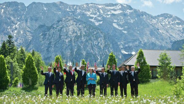 Групповая фотография лидеров G7 во время саммита в Германии