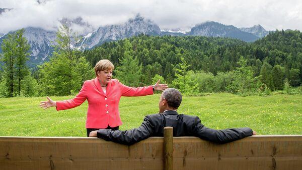Ангела Меркель и Барак Обама во время саммита G7 в окрестностях замка Эльмау в Баварии