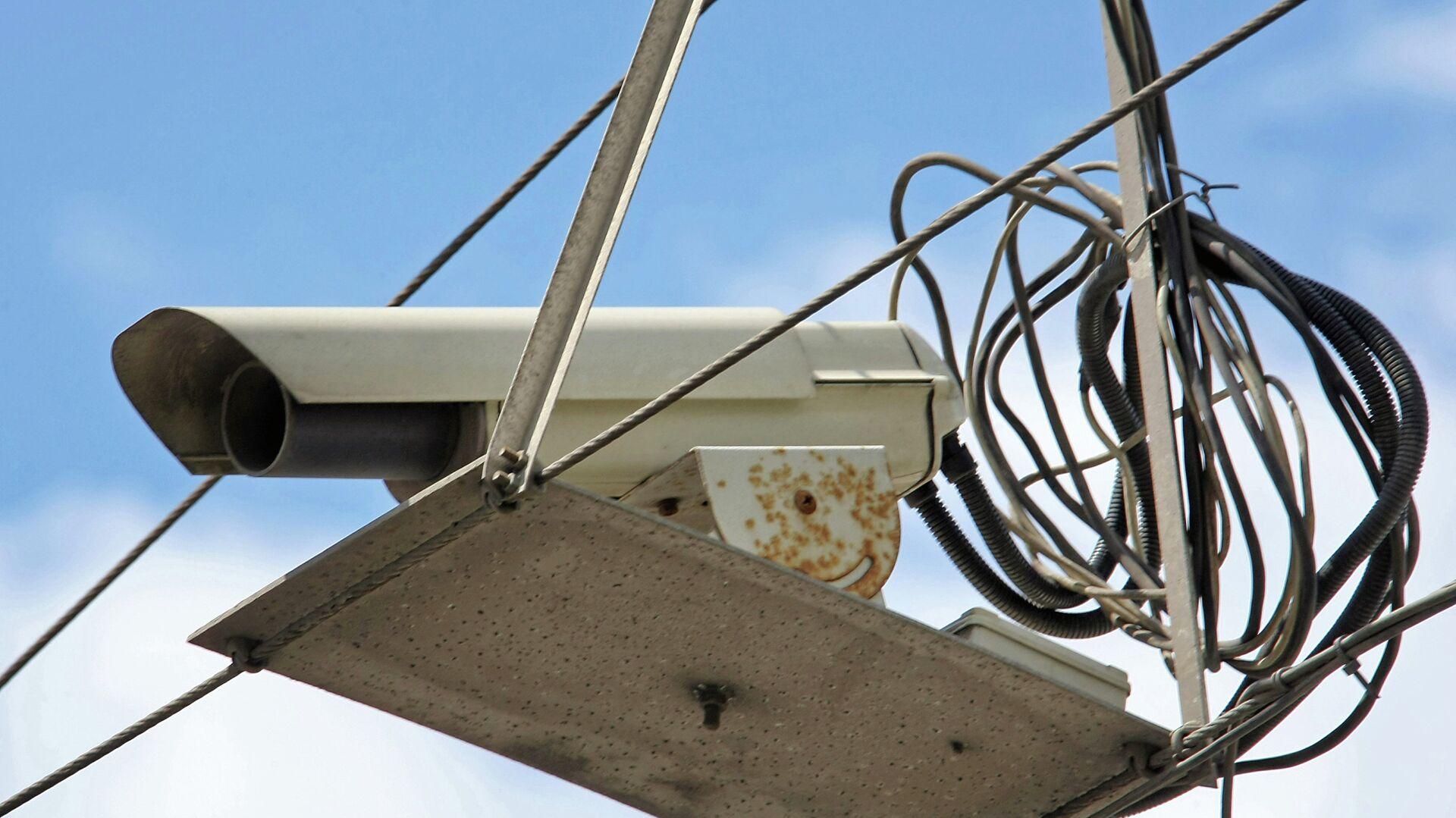 В 12 регионах камеры начнут штрафовать за выключенные фары
