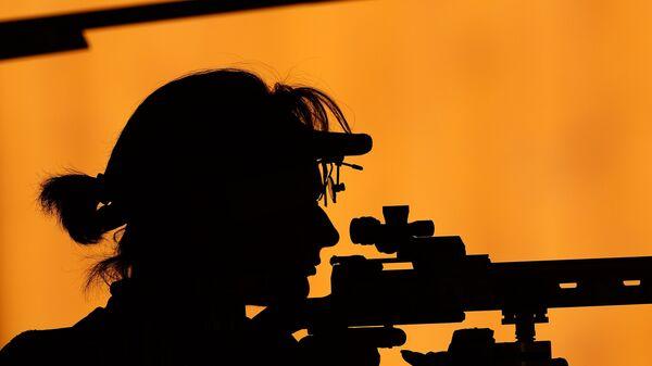Лоренс Бризе (Франция) на соревнованиях по пулевой стрельбе на I Европейских играх в Баку