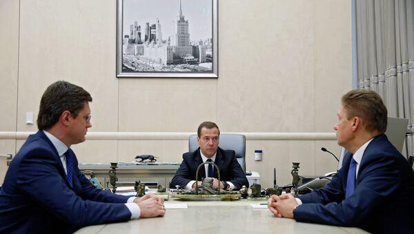 Рабочая встреча премьер-министра РФ Д.Медведева с главой Газпрома А.Миллером и министром энергетики А.Новаком