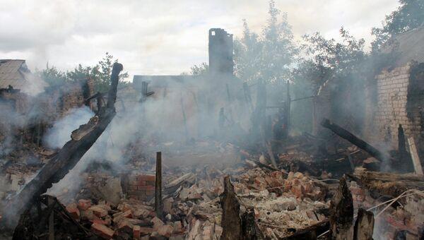 Дом, разрушенный в результате обстрела украинскими силовиками. Архивное фото