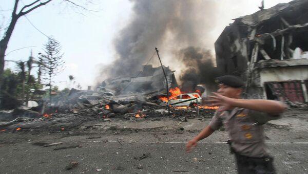 Место крушения военно-транспортного самолета Геркулес в Медане, Северная Суматра, Индонезия
