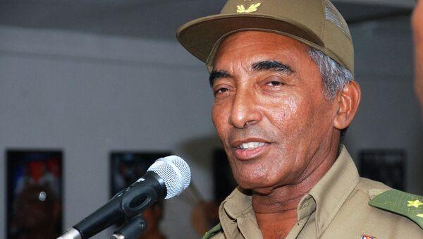Кубинский генерал, первый латиноамериканский космонавт и герой Кубы Арнальдо Тамайо Мендес. Архивное фото