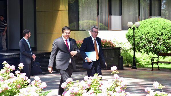 Председатель Одесской областной государственной администрации Михаил Саакашвили и посол США на Украине Джеффри Пайетт