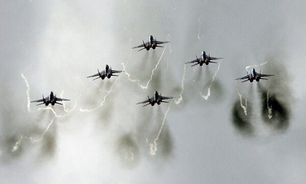 Пилотажная группа Стрижи на самолетах МиГ-29