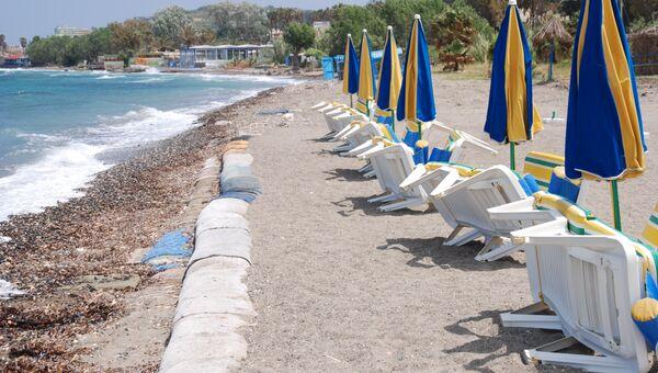 Пляж на греческом острове Кос. Архивное фото