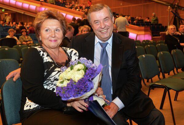 Председатель совета директоров АКБ МОСОБЛБАНК, член совета по Общественному телевидению Геннадий Селезнев с супругой