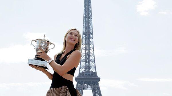 Теннисистка Мария Шарапова после победы на Ролан Гаррос в Париже