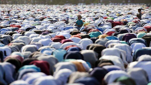 Айт-намаз в честь окончания священного месяца Рамазан. Архивное фото