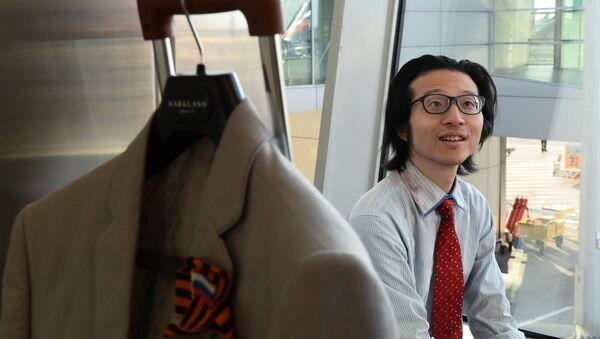 В аэропорту Шереметьево уже второй месяц живет японский журналист Тэтсуя Або