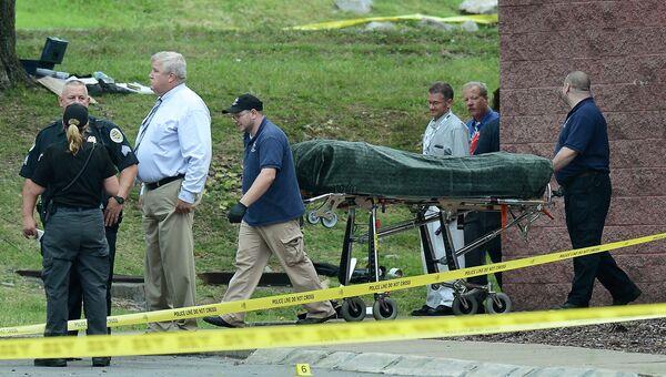 Тело подозреваемого в нападении на зрителей кинотеатра в штате Теннеси. 5 августа 2015