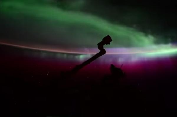 Северное сияние: вид из космоса