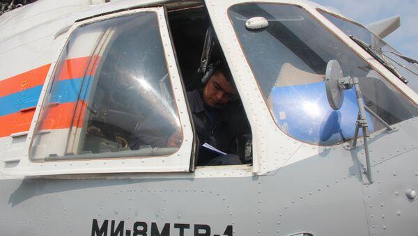 Фото с места крушения вертолёта Ми-8 в Хабаровском крае в бухте Онгачан Охотского моря.