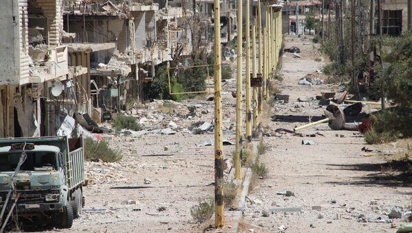 Главная улица сирийское города Забадани - линия фронта, 21.08.2015