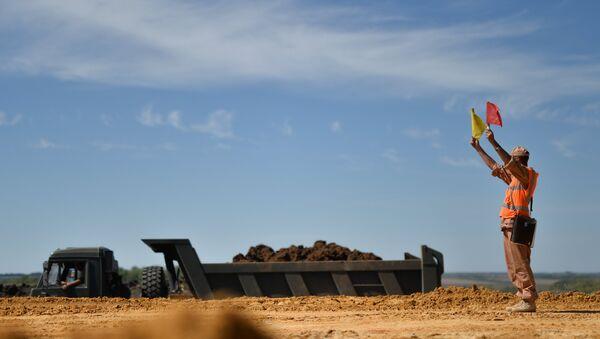 Военнослужащие железнодорожных войск ведут строительные работы на участке железной дороги Журавка – Миллерово в обход Украины. Архивное фото