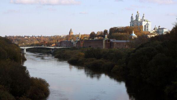 Вид со стороны реки Днепр на панораму города Смоленска. Архивное фото