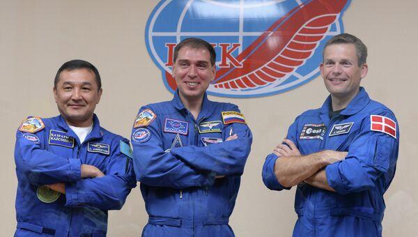 Пресс-конференция экипажа космического корабля Союз ТМА-18М на космодроме Байконур. Архивное фото