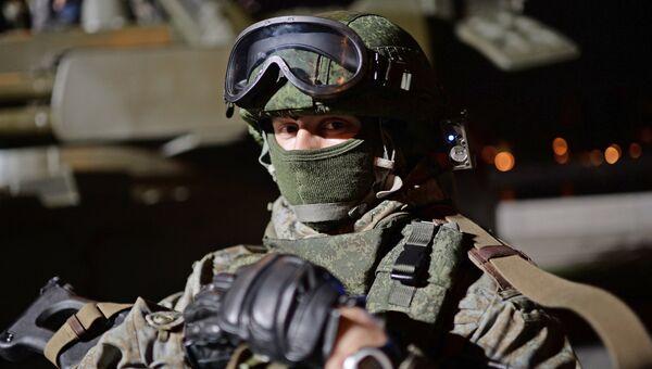 Военнослужащий в экипировке Ратник