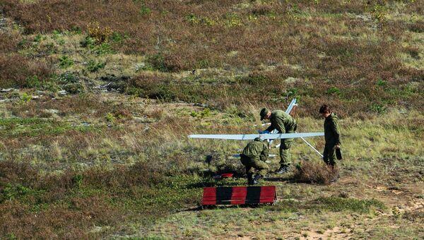 Запуск беспилотного летательного аппарата во время совместных российско-белорусских оперативных учений Щит Союза - 2015