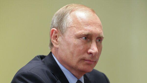 Рабочая встреча президента России В.Путина с председателем Федерации независимых профсоюзов РФ М.Шмаковым