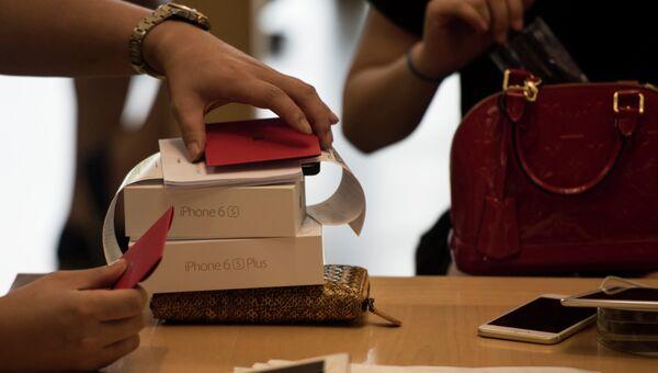 Начало продаж нового iPhone в Китае. Архивное фото