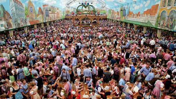 Фестиваль пива Октоберфест в Мюнхене. Архивное фото