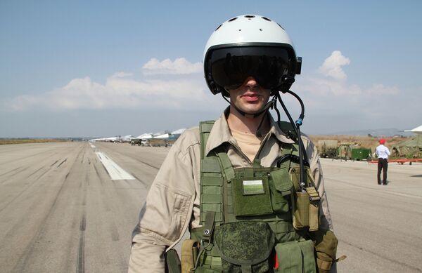 Российский пилот СУ-34 на авиабазе Хмеймим