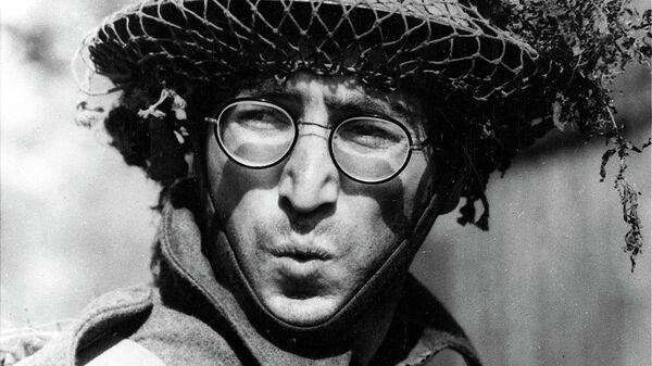 Британский рок-музыкант, певец, поэт, композитор, художник, писатель Джон Леннон в фильме How I Won the War, 1967 год