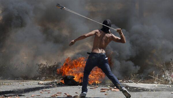 Палестинец тяжело ранил ножом израильтянку на юге Западного берега
