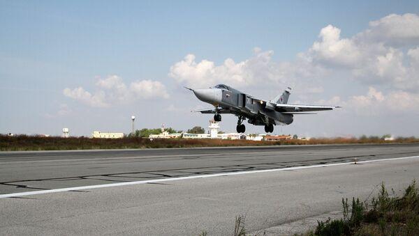 Российские самолеты взлетают с авиабазы Хмеймим (Сирия). Архивное фото