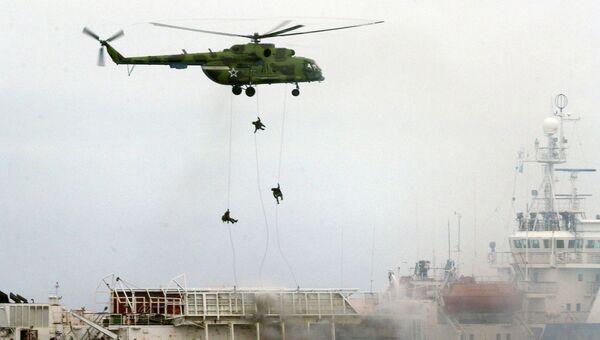 Освобождение спецназом судна захваченного террористами во время учений