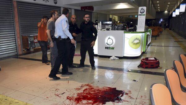 На месте стрельбы на центральной автобусной станции в южном израильском городе Беер-Шева