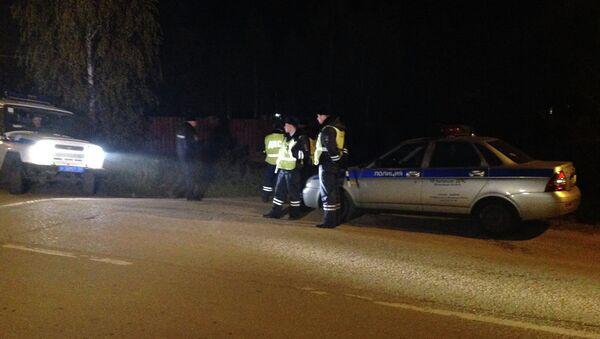 Сотрудники полиции на месте обнаружения тела красногорского стрелка. Архивное фото