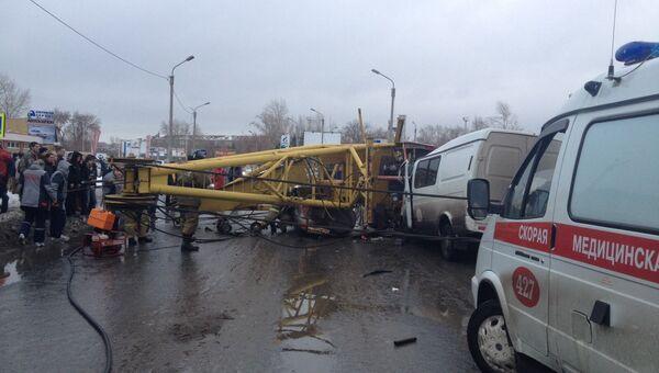 В Омске произошло падение башенного крана