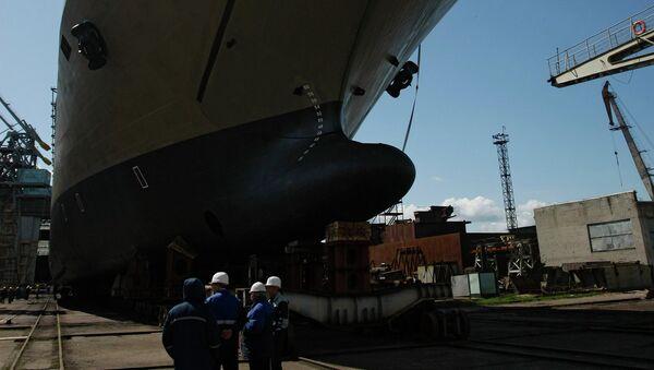Корабль Иван Грен на судостроительном заводе Янтарь. Архивное фото